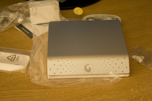 Seagate FreeAgent Desk unboxed